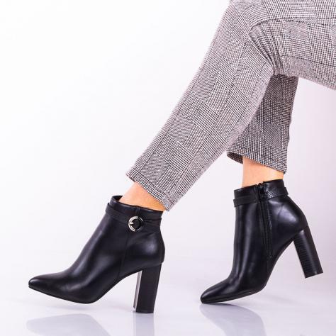 https://www.pantofi-trendy.ro/image/cache/data/!!!!!!!!!!!!!!!/1/DSC_9259-1000x1000.jpg