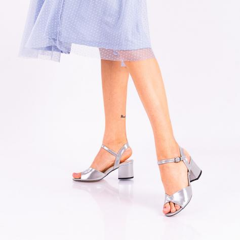 https://www.pantofi-trendy.ro/image/cache/data/!!!!!!!!!!!!!/18/DSC_3275-2-1000x1000.jpg