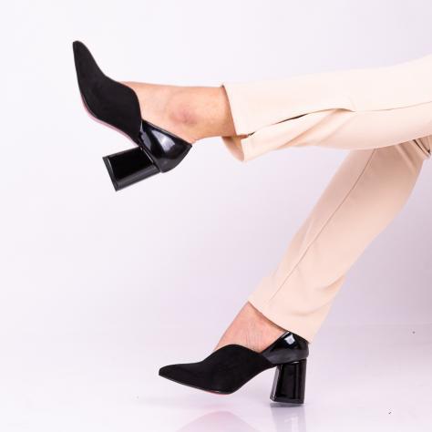 https://www.pantofi-trendy.ro/image/cache/data/!!!!!!!!!!!!!/3/DSC_9869-1000x1000.jpg