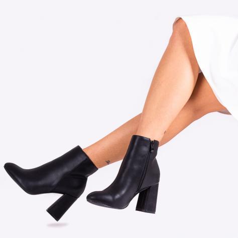 https://www.pantofi-trendy.ro/image/cache/data/!!!!!!!!!!!!/3/DSC_3584-1000x1000-1000x1000.jpg