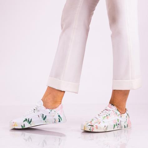 https://www.pantofi-trendy.ro/image/cache/data/!!!!!!!!!!!!/5/DSC_5099-3-1000x1000.jpg
