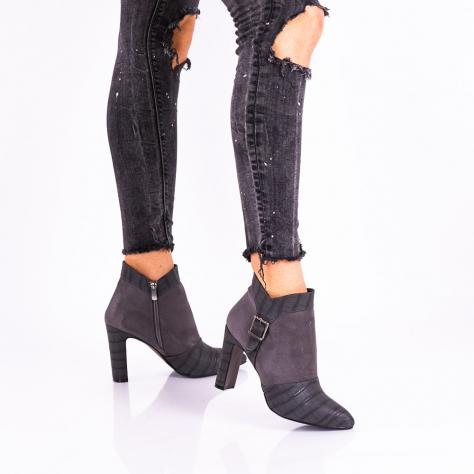https://www.pantofi-trendy.ro/image/cache/data/!!!!!!!!!!!!/5/DSC_5750-1000x1000.jpg