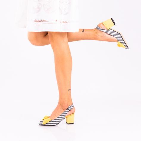 https://www.pantofi-trendy.ro/image/cache/data/!!!!!!!!!!!/5/DSC_1718-2-1000x1000.jpg