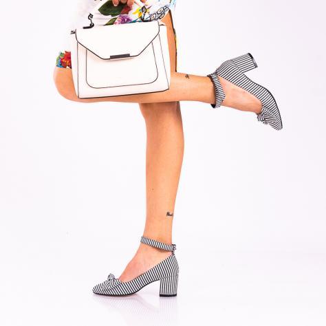 https://www.pantofi-trendy.ro/image/cache/data/!!!!!!!!!!!/6/DSC_8152-2-1000x1000.jpg