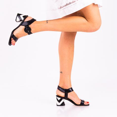 https://www.pantofi-trendy.ro/image/cache/data/!!!!!!!!!!/1/DSC_1439-2-1000x1000.jpg