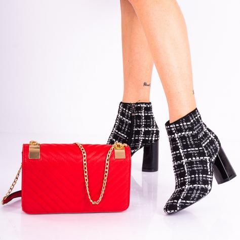 https://www.pantofi-trendy.ro/image/cache/data/!!!!!!!!!!/3/DSC_7564-1000x1000.jpg
