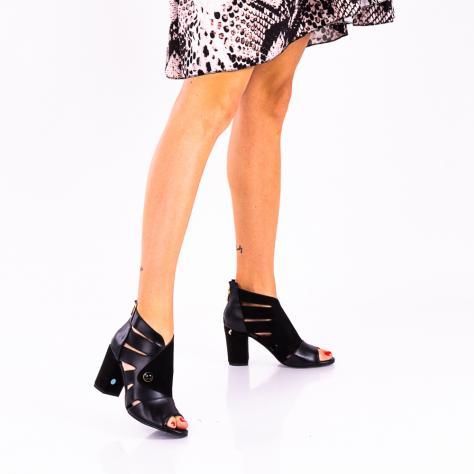 https://www.pantofi-trendy.ro/image/cache/data/!!!!!!!!!/02/DSC_1093-2-1000x1000.jpg