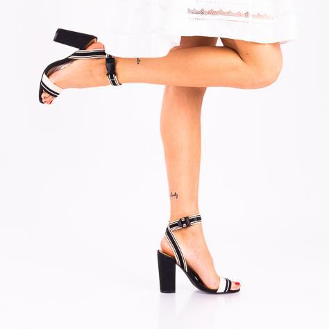 https://www.pantofi-trendy.ro/image/cache/data/!!!!!!!!!/2/DSC_1666-2-1000x1000.jpg