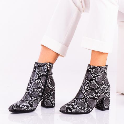 https://www.pantofi-trendy.ro/image/cache/data/!!!!!!!!/17/DSC_388335-1000x1000-1000x1000.jpg