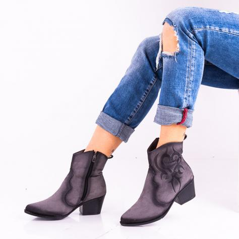 https://www.pantofi-trendy.ro/image/cache/data/!!!!!!!!/2/DSC_5157-1000x1000.jpg