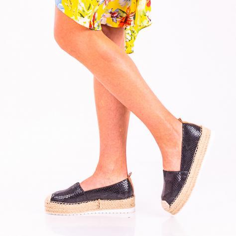 https://www.pantofi-trendy.ro/image/cache/data/!!!!!!!!/Adriana/DSC_4604-3-1000x1000.jpg