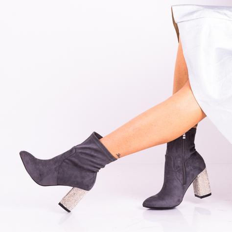 https://www.pantofi-trendy.ro/image/cache/data/!!!/0000088/DSC_6402-1000x1000.jpg