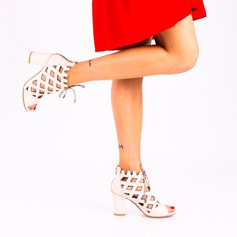 https://www.pantofi-trendy.ro/image/cache/data/!!!/00011/DSC_9543-3-1000x1000.jpg