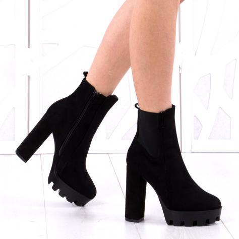 https://www.pantofi-trendy.ro/image/cache/data/!!!/00021/DSC_4635-1000x1000-1000x1000.jpg