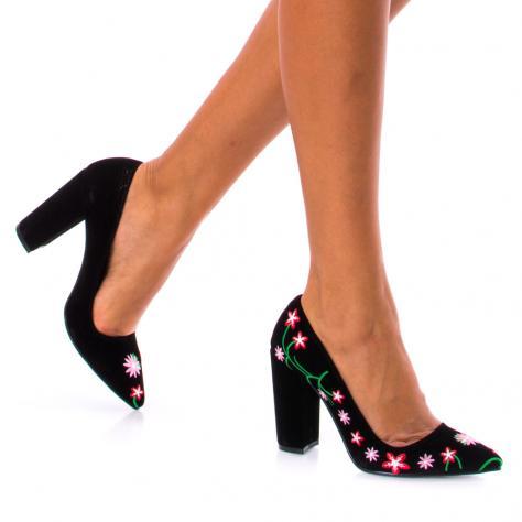 https://www.pantofi-trendy.ro/image/cache/data/!!!/00048/DSC_5673-1000x1000.jpg