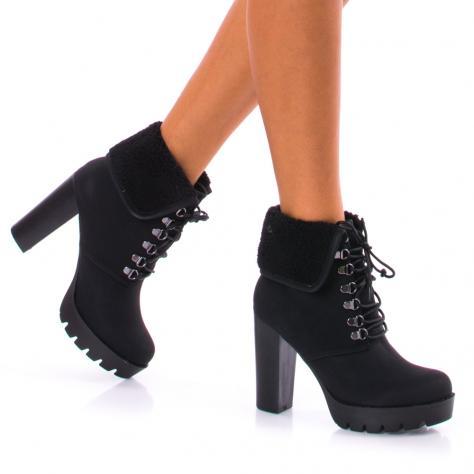 https://www.pantofi-trendy.ro/image/cache/data/!!!/00050/DSC_5084-1000x1000.jpg