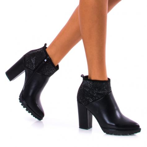 https://www.pantofi-trendy.ro/image/cache/data/!!!/00051/DSC_4383-1000x1000.jpg