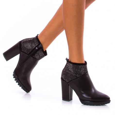 https://www.pantofi-trendy.ro/image/cache/data/!!!/00051/DSC_4395-1000x1000.jpg