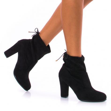 https://www.pantofi-trendy.ro/image/cache/data/!!!/00051/DSC_4444-1000x1000.jpg