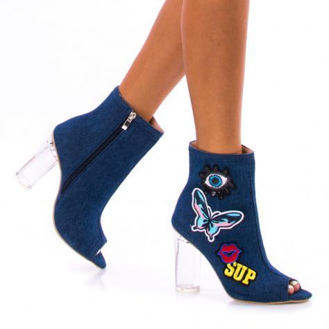 https://www.pantofi-trendy.ro/image/cache/data/!!!/00052/DSC_4054-1000x1000.jpg