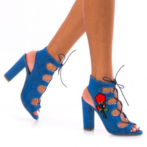 https://www.pantofi-trendy.ro/image/cache/data/!!!/00052/DSC_4168-1000x1000.jpg