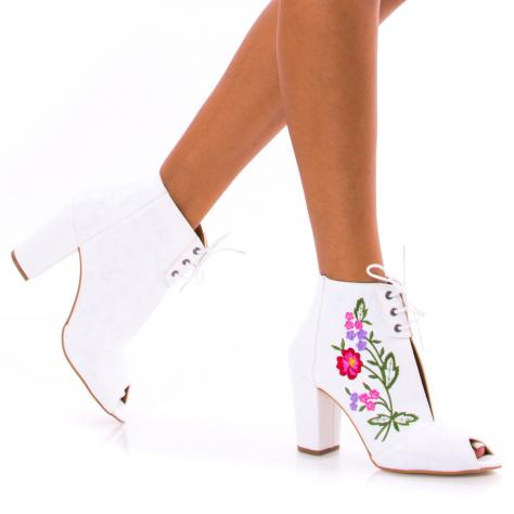 https://www.pantofi-trendy.ro/image/cache/data/!!!/00052/DSC_4371-1000x1000.jpg