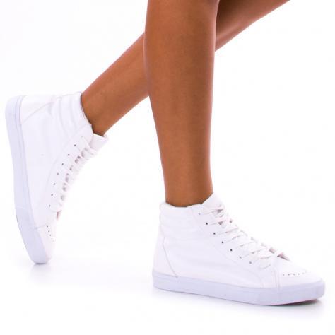 https://www.pantofi-trendy.ro/image/cache/data/!!!/00062/DSC_1150-1000x1000.jpg