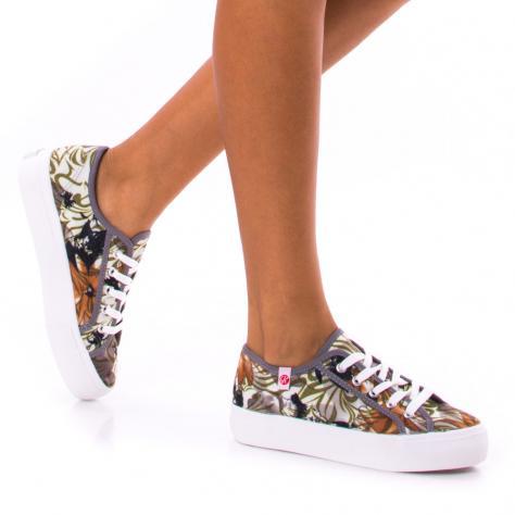 https://www.pantofi-trendy.ro/image/cache/data/!!!/00064/DSC_0210-1000x1000.jpg