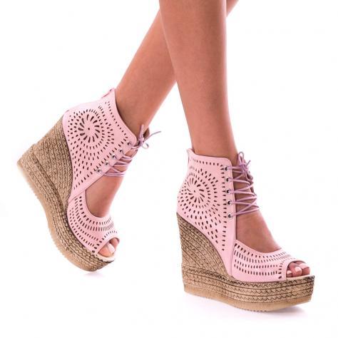 https://www.pantofi-trendy.ro/image/cache/data/!!!/00067/DSC_9475-1000x1000-1000x1000.jpg
