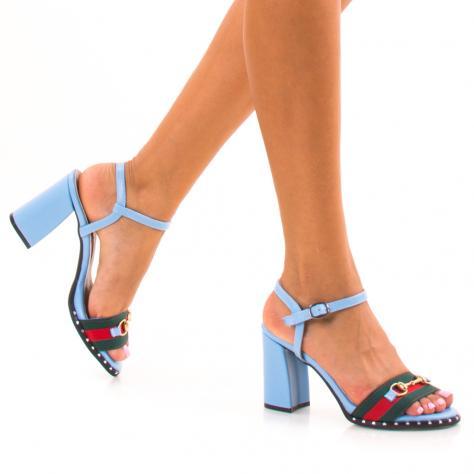 https://www.pantofi-trendy.ro/image/cache/data/!!!/00071/DSC_5806-1000x1000.jpg