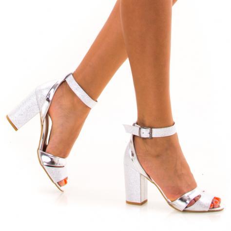 https://www.pantofi-trendy.ro/image/cache/data/!!!/00077/DSC_0875-1000x1000.jpg