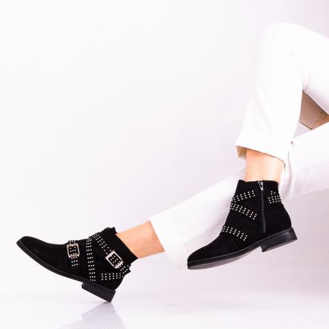 https://www.pantofi-trendy.ro/image/cache/data/!01/!04/DSC_6688-2-1000x1000.jpg