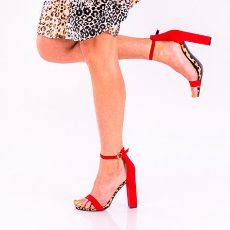 https://www.pantofi-trendy.ro/image/cache/data/!01/!05/DSC_4256-2-1000x1000.jpg