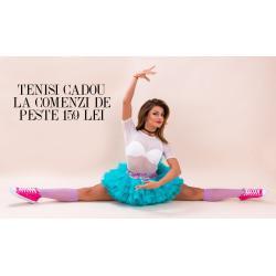 O pereche de tenisi Margit Fuxia CADOU la orice comanda de peste 159 de lei