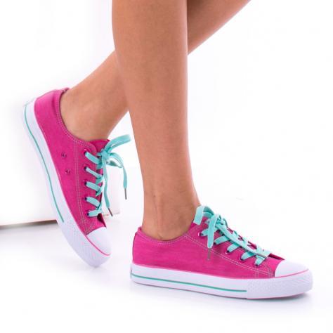 https://www.pantofi-trendy.ro/image/cache/data/0-11/57/DSC_3459-1000x1000-1000x1000.jpg