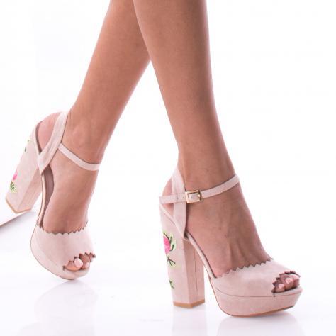 https://www.pantofi-trendy.ro/image/cache/data/0-11/turcia/DSC_9859-1000x1000.jpg