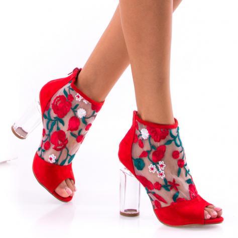 https://www.pantofi-trendy.ro/image/cache/data/0-12/23/DSC_0098-1000x1000.jpg