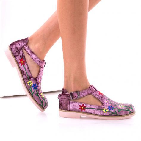 https://www.pantofi-trendy.ro/image/cache/data/0-13/DSC_5437-1000x1000.jpg