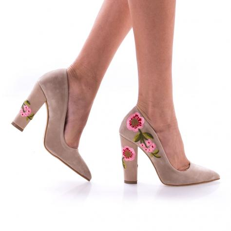 https://www.pantofi-trendy.ro/image/cache/data/0/00000018/008/DSC_0507-1000x1000.jpg