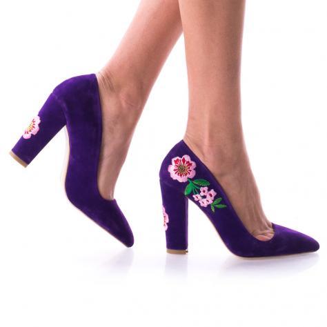 https://www.pantofi-trendy.ro/image/cache/data/0/0000003/34/DSC_3686-1000x1000.jpg