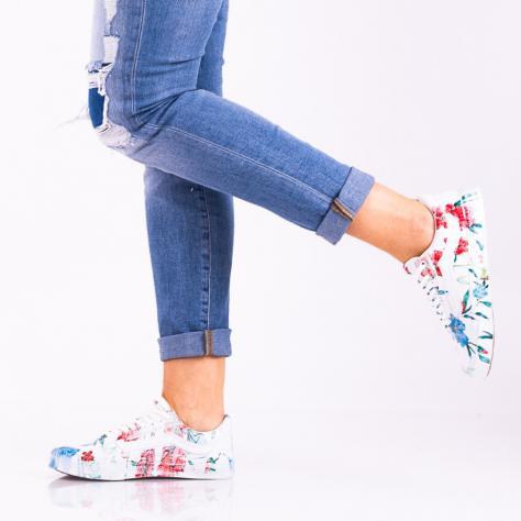 https://www.pantofi-trendy.ro/image/cache/data/000000_15/DSC_5448-3-1000x1000.jpg