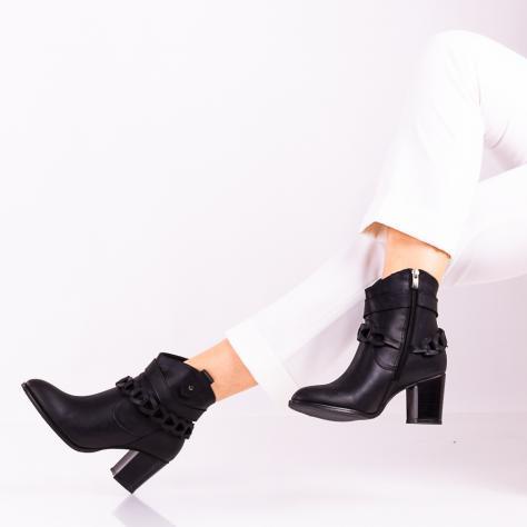 https://www.pantofi-trendy.ro/image/cache/data/00000_X-837/DSC_5612-4-1000x1000.jpg