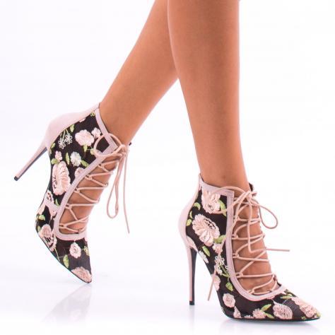 https://www.pantofi-trendy.ro/image/cache/data/BOOOTINEEE/DSC_7153-1000x1000.jpg