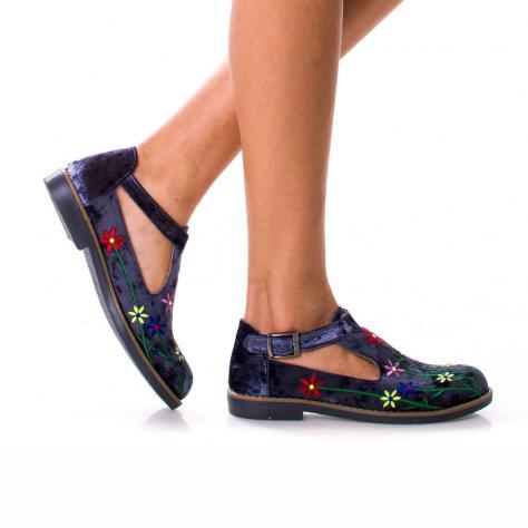 https://www.pantofi-trendy.ro/image/cache/data/MARFATURCIA/07.03-5304-1000x1000.jpg