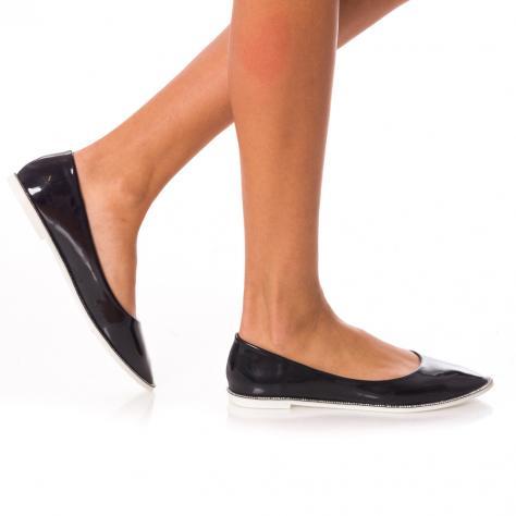 https://www.pantofi-trendy.ro/image/cache/data/UGG/26.10-4496-1000x1000.jpg