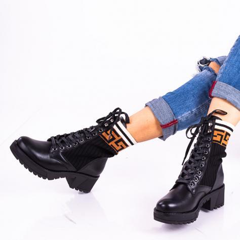 https://www.pantofi-trendy.ro/image/cache/data/zz15/bianka-1000x1000.jpg
