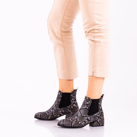 https://www.pantofi-trendy.ro/image/cache/data/zzzzzzzzzz82/!00002/DSC_5351-4-1000x1000.jpg