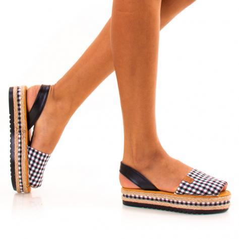 https://www.pantofi-trendy.ro/image/cache/data/zzzzzzzzzz82/!003/DSC_9636-1000x1000.jpg