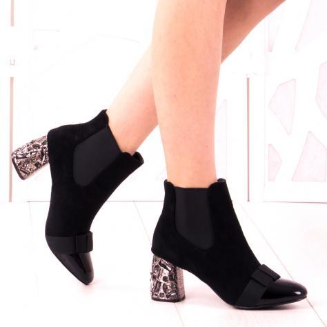 https://www.pantofi-trendy.ro/image/cache/data/zzzzzzzzzz82/!009/DSC_5296-1000x1000.jpg