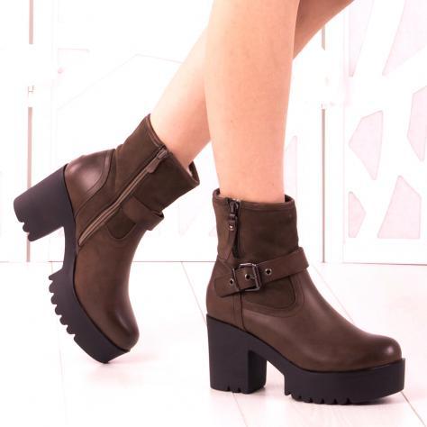 https://www.pantofi-trendy.ro/image/cache/data/zzzzzzzzzz82/!009/DSC_5395-1000x1000.jpg